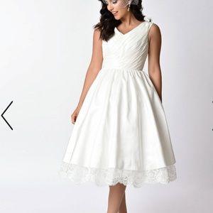Unique vintage style off white dress size Large